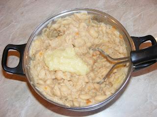 Preparare fasole batuta retete culinare,