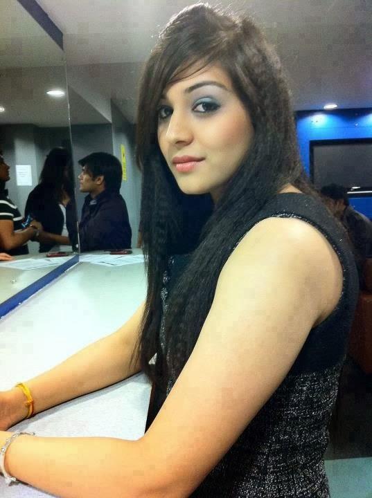 Desi Fun Time : Pakistani, Indian, School Girls, Kissing ...