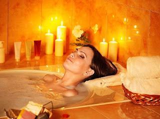 теплая ванная девушка