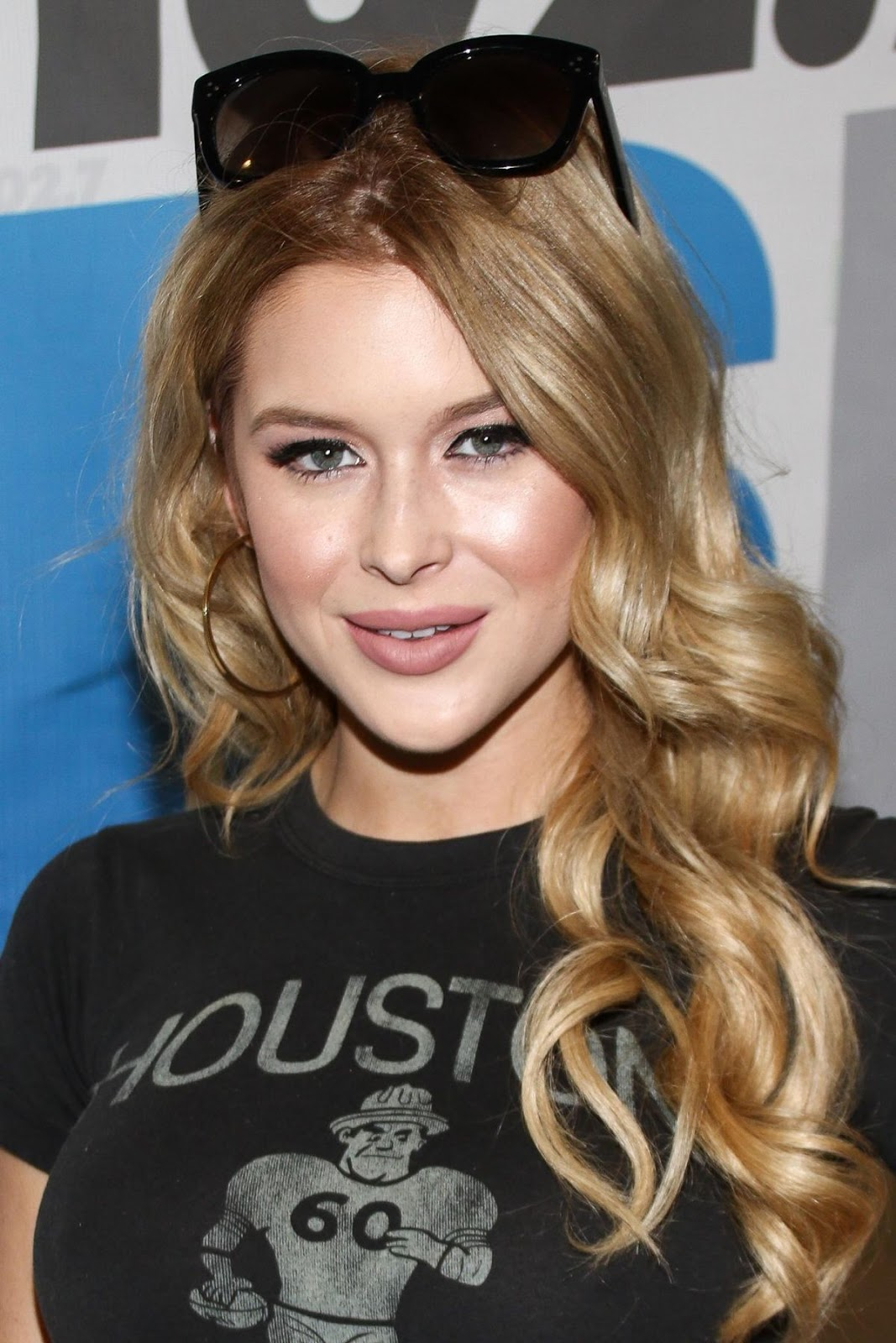 Renee Olstead At 102.7 Kiis FM S Annual Teen Choice Pre Party In Los Angeles