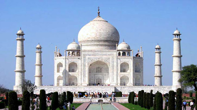 Supreme Court asks waqf board to show signed documents of Shah Jahan on Taj Mahal