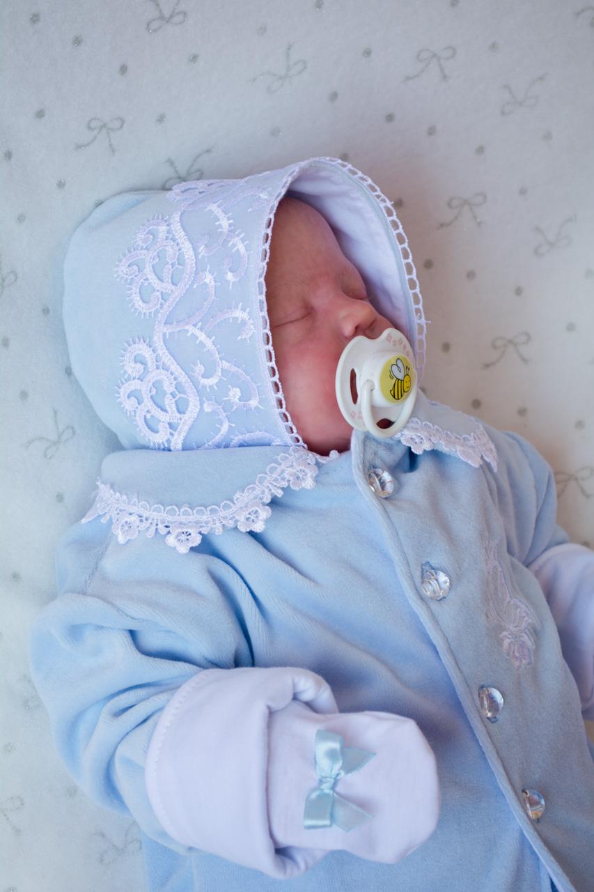 На выписку для новорожденных одежда