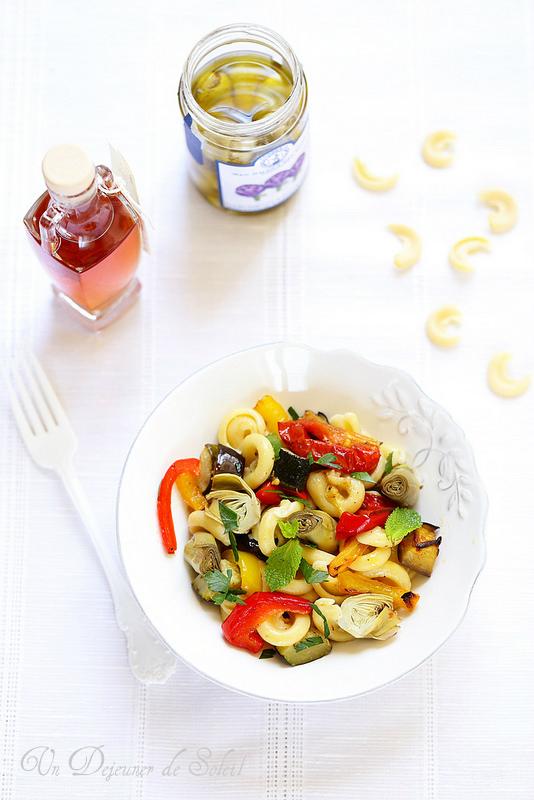 Salade de pâtes aux légumes rôtis, à l'italienne