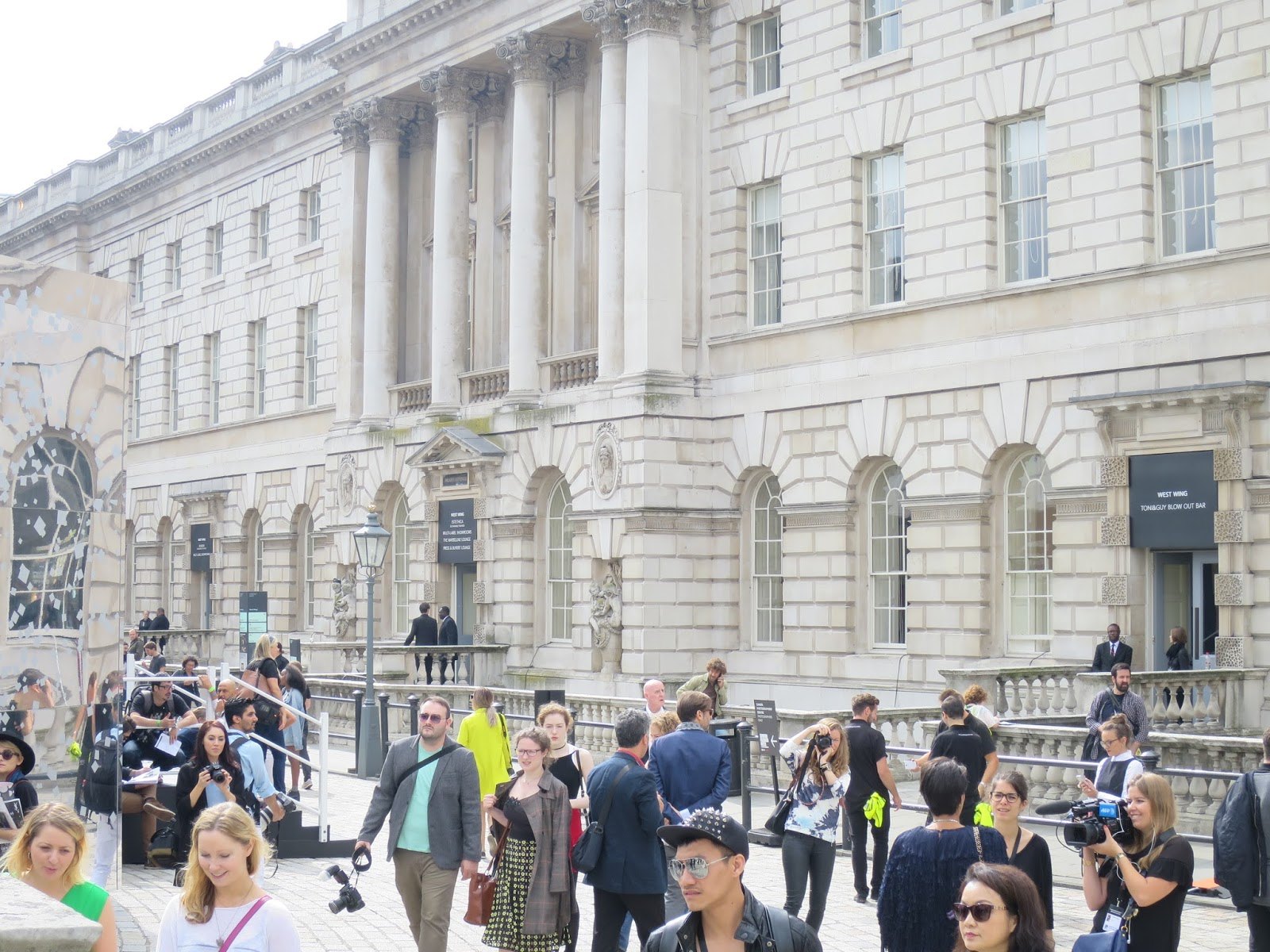 London Fashion Week SS15 - somerset house crowd