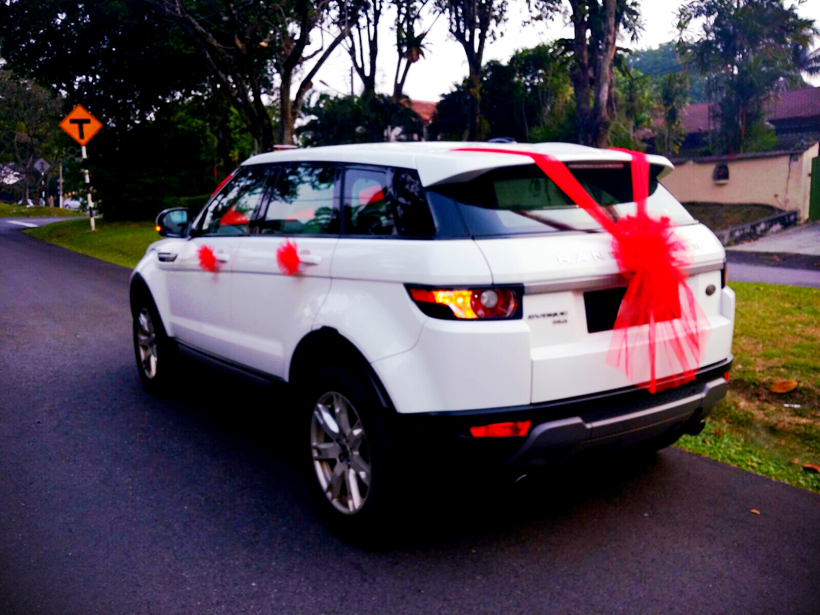 Range Rover Sport >> RedOrca Malaysia Wedding and Event Car Rental: Range Rover Evoque with red teddy bear bridal car ...