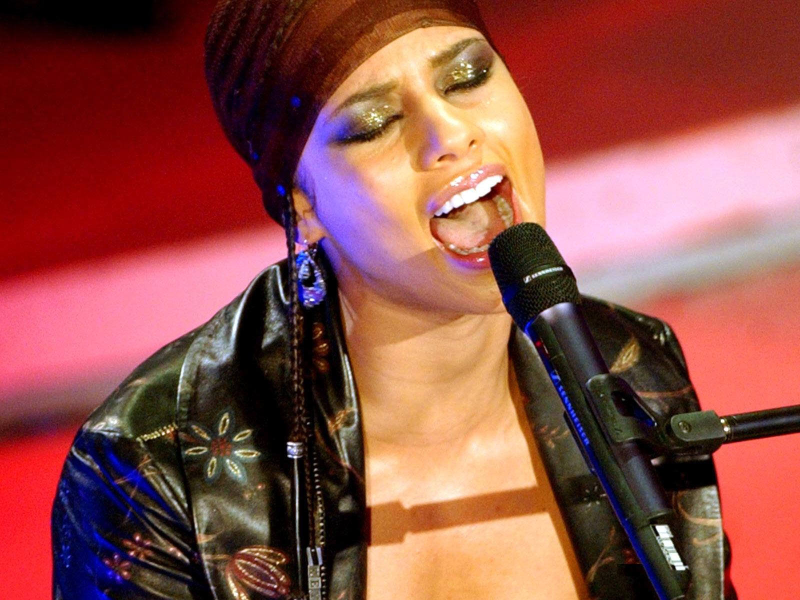 Alicia Keys: Alicia Keys Hot Pictures, Photo Gallery & Wallpapers