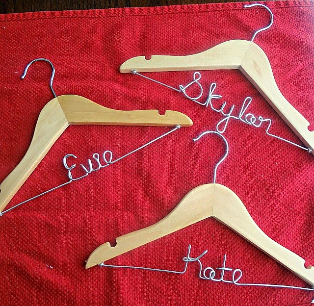 Amy's Original Bridal Hangers Review