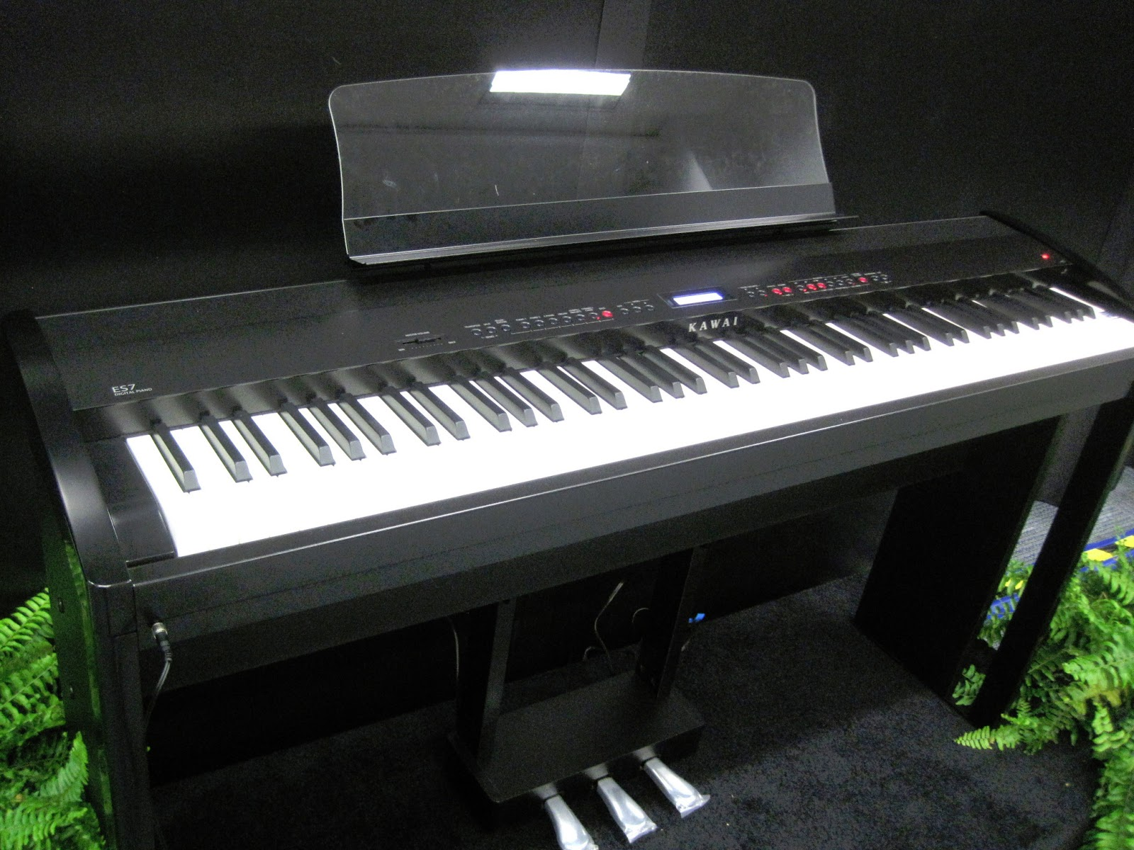 AZ PIANO REVIEWS: REVIEW - Kawai ES7 Digital Piano - Recommended