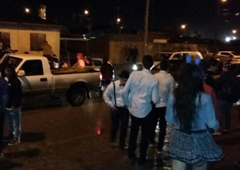 Desalojan fiesta clandestina con 150 menores