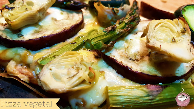 http://www.cuadernosdecocina.com/2017/07/receta-pizza-vegetal.html