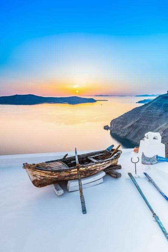 Old boat decor in Firostefani, Santorini - Ioanna's Notebook