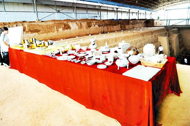 โบราณวัตถุที่พบในสุสานโจโฉ