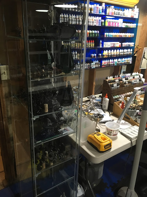 Detolf display case with extra glass shelves