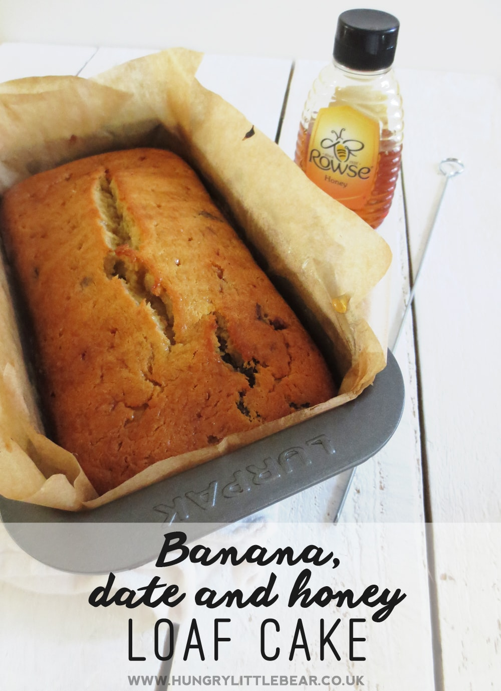 Banana Date and Honey Loaf Cake | www.hungrylittlebear.co.uk