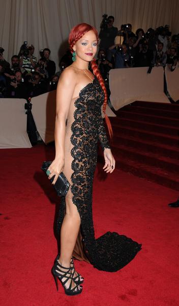 Kristine Blogs new: Rihanna: MET BALL 2011