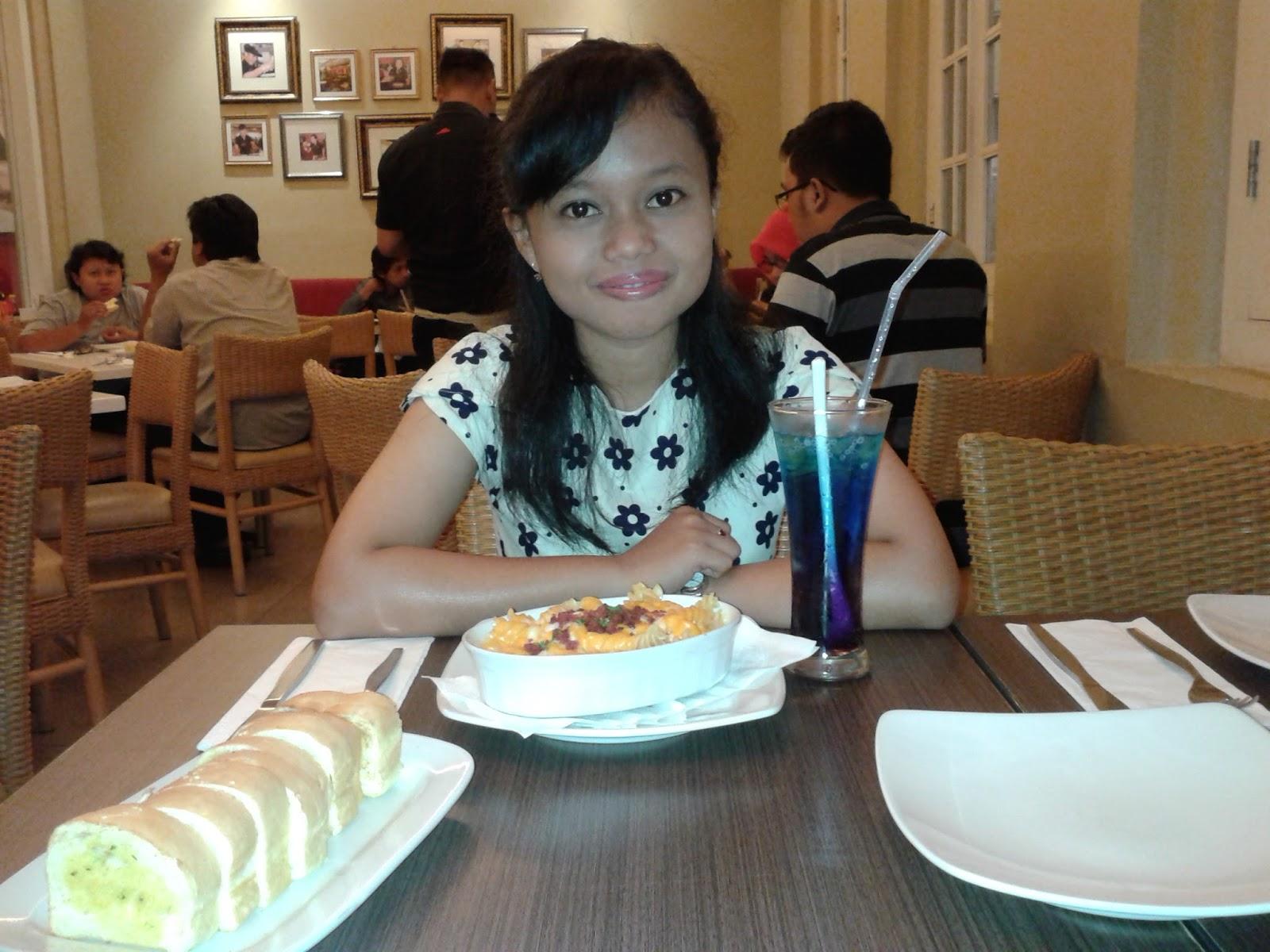 Dewi Berbagi Cerita Ketika Makan Tak Hanya Sekadar Kenyang