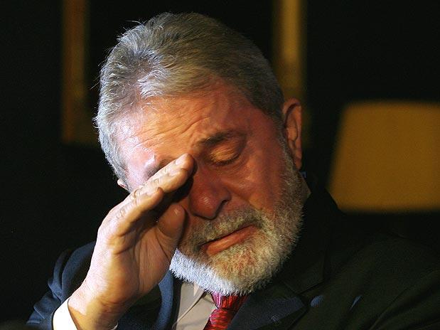Lula chorando em seu lindo Triplex