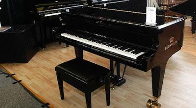 Giá 1 cây đàn piano điện ở Việt Nam là bao nhiêu