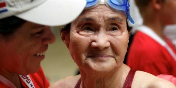 100-year-old woman swims 1,500 meters in masters meet