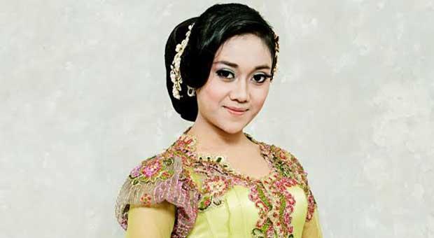 """Neng Dila Luncurkan Album Pop Sunda """"Cinta Kilat"""""""
