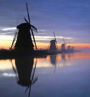 Kinderdijk, Tempat Wisata di Belanda Terbaik yang Wajib Dikunjungi, wisata belanda murah, tempat wisata di amsterdam, tempat wisata di belanda saat musim dingin, tempat belanja di belanda, paket wisata belanda, tempat romantis di belanda, taman bunga belanda, taman belanda