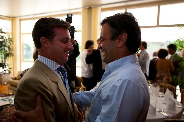 A candidatura do apresentador da Rede Globo Luciano Huck tem ganhado corpo nos bastidores, informa o jornal Folha de S.Paulo.