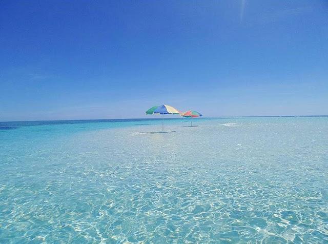 foto indahnya pulau nain manado