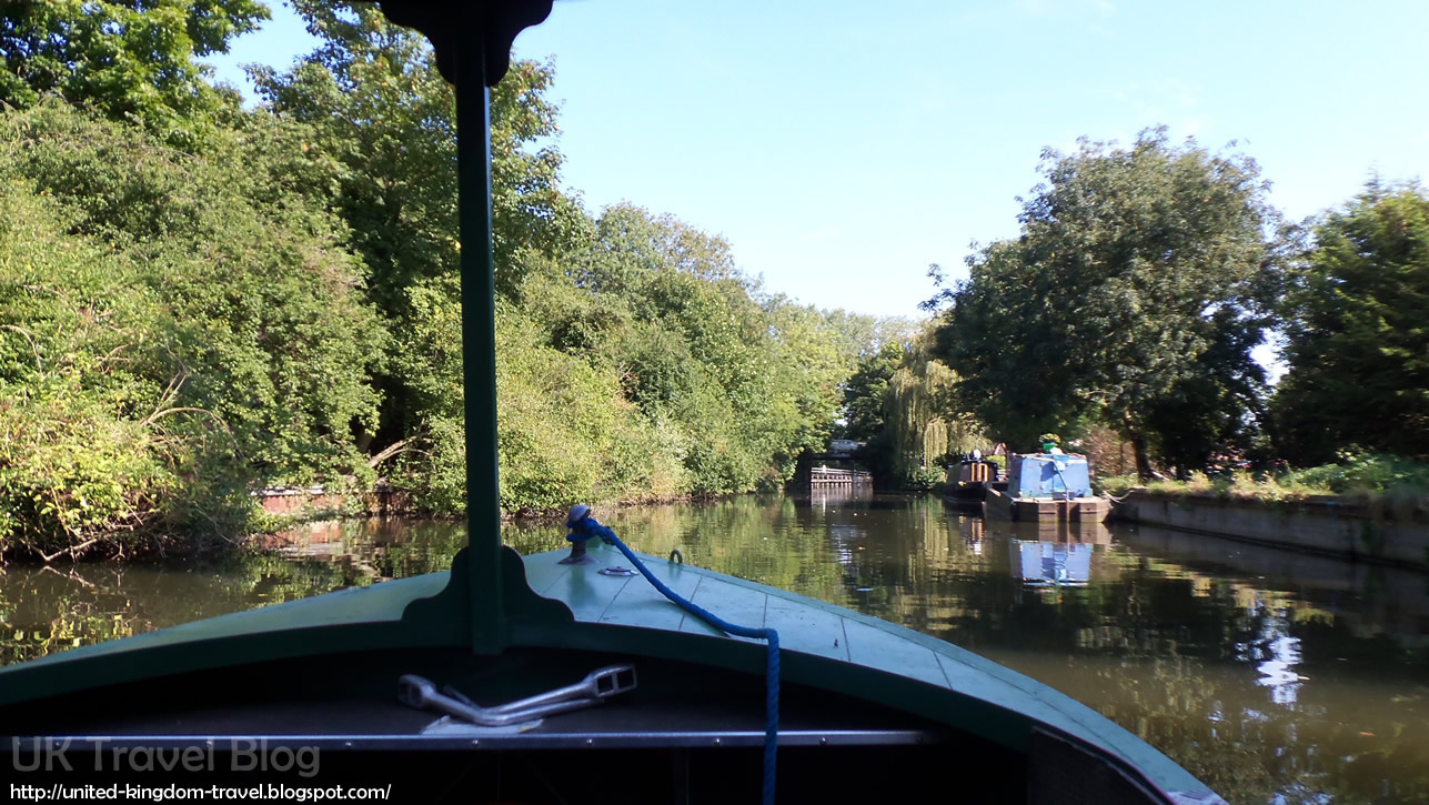 Day Boat from Lee Valley Boat Hire