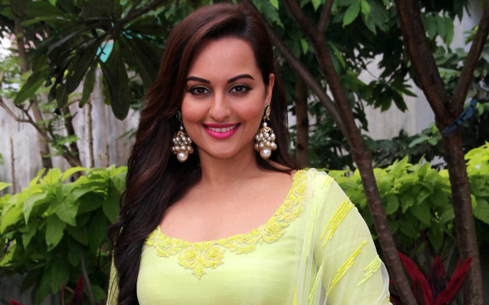 Bollywood Actress, Sonakshi Sinha Hd Pics,Photos,Pictures -5817