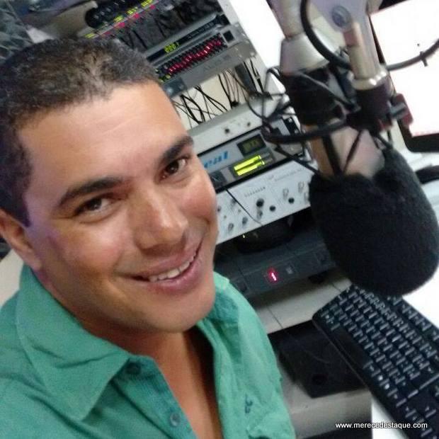 Radialista Agnaldo Silva morre em acidente entre duas motos; condutor da outra moto também morreu