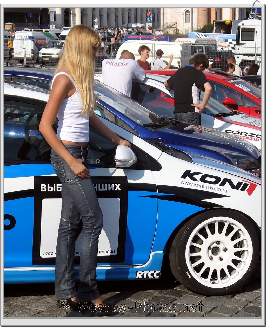 Sexy Girl and Car - Bavaria Moscow City Racing 2008