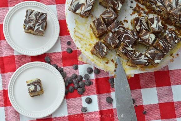 Fudge met noten chocolade en bastagnekoeken voor 10 jaar longtransplantatie