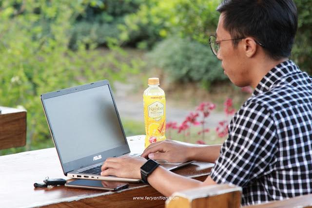 Produktif dengan Natsbee Honey Lemon - feryarifian.com