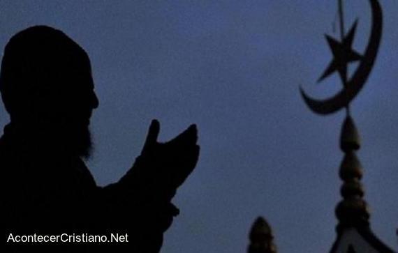 Musulmán acepta a Cristo y abandona Islam