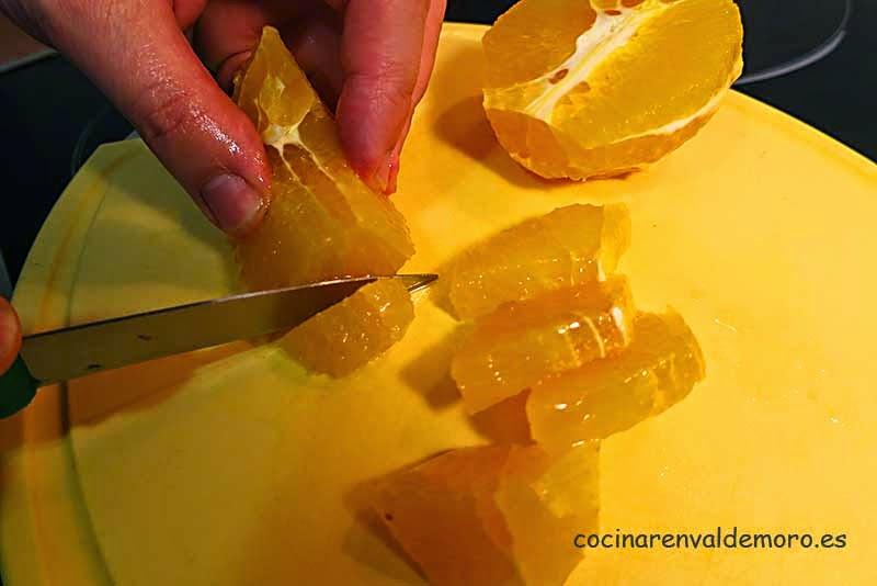 Cortando la naranja