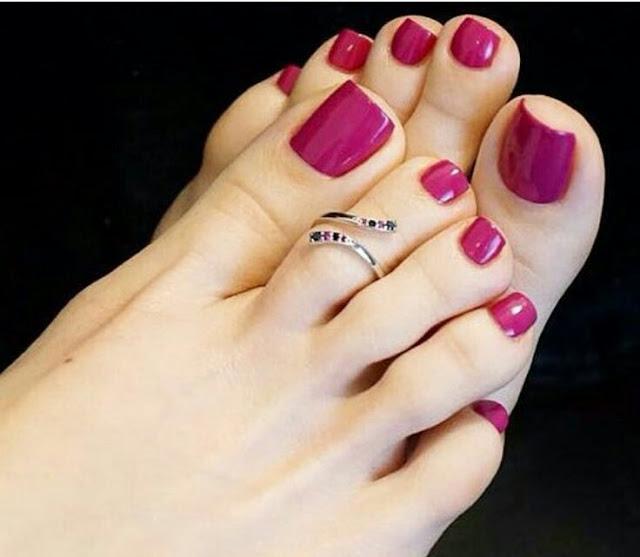 Feet nail arts