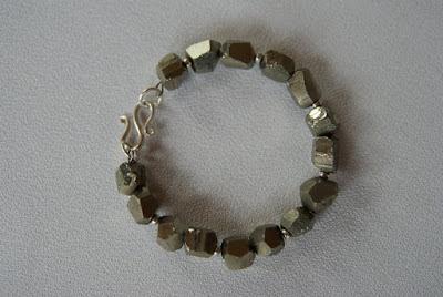bransoleta handmade ze złotym pirytem biżuteria handmade blog biżuteryjny netstylistka