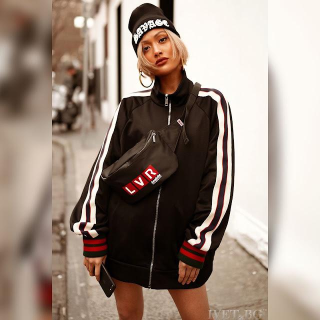 Μακρυμάνικο μαύρο γυναικείο φούτερ MIKA