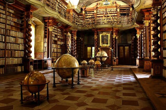巴洛克圖書館內的地球儀 此圖來自克萊門特學院官網