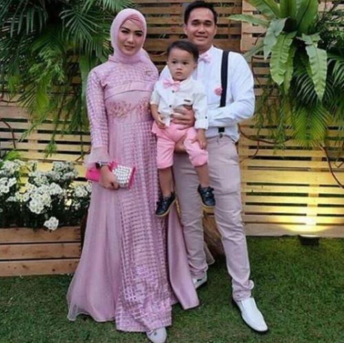 Model Baju Pesta Muslim Couple Modern Untuk Keluarga Travelsentry