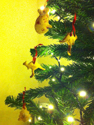 salt dough decorations on the tree - two kangaroos a koala and a tree
