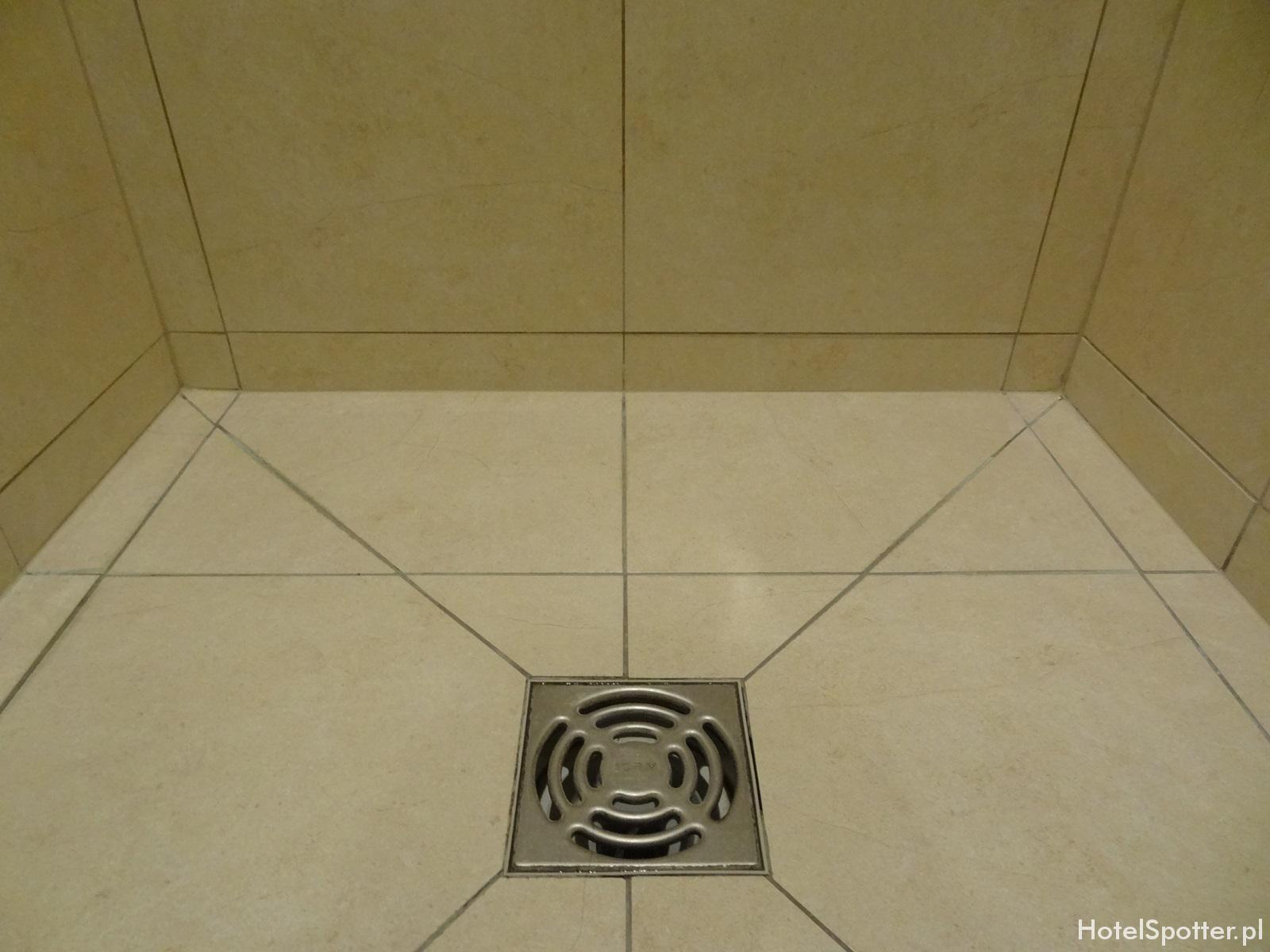 Hilton Warsaw Hotel - czysty prysznic
