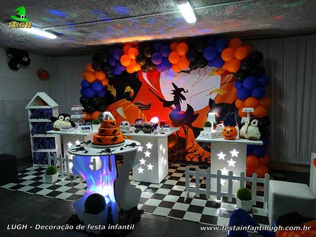 Decoração de mesa tema Halloween para festa de aniversário adulto
