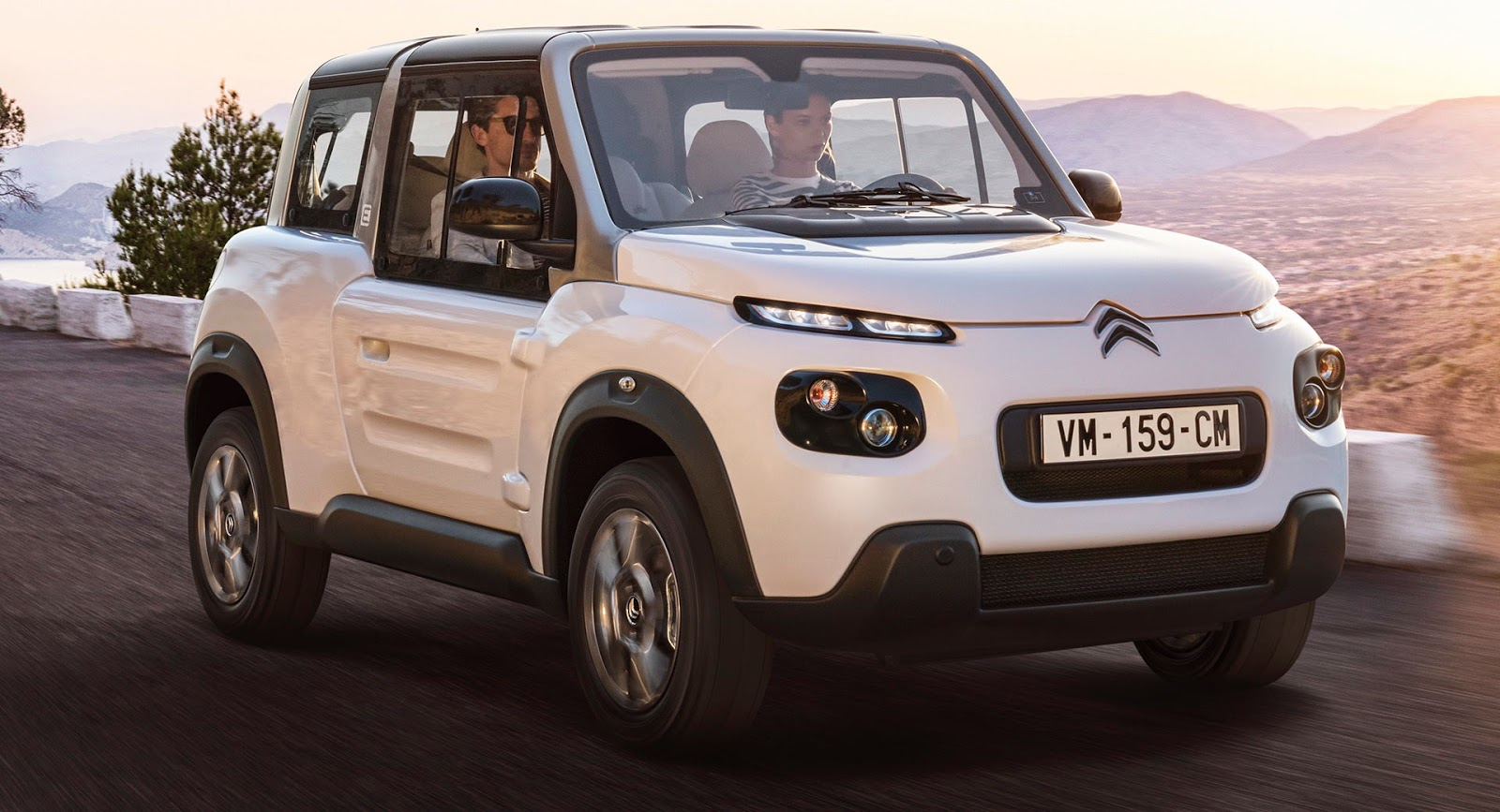 Citroen Has Introduced Us To The Updated Version Of The Electric E Mehari,  Which Now Comes With A New Interior And A Hard Top Complete With Side  Windows.