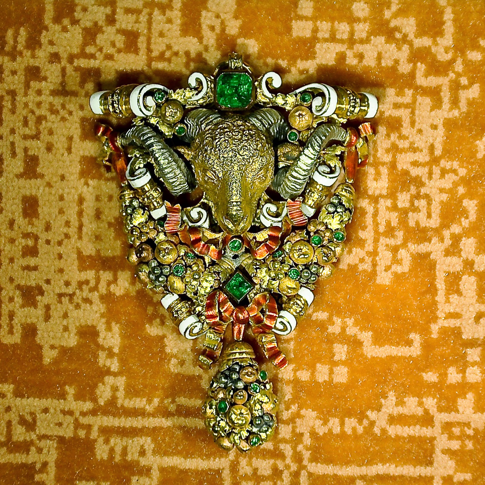 A ram head brooch-cum-pendant in the Museum of the Jewellery in Vicenza