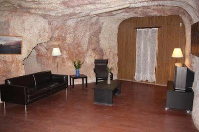 Австралия: подземный город, где живут 2 000 человек