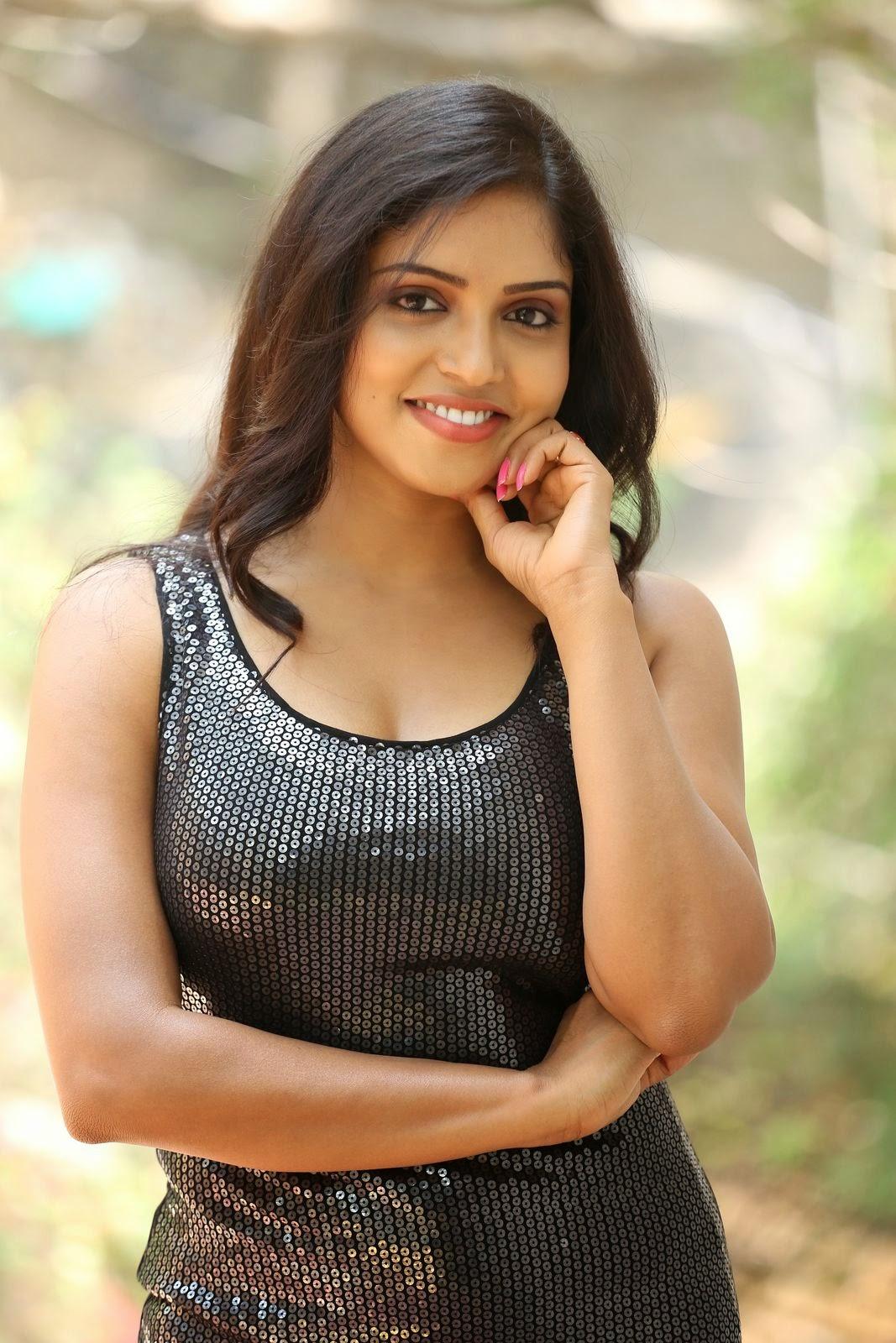 Actress Karunya New glam pics-HQ-Photo-8