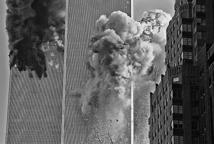 18 Rare Historical 9/11 Photos That You Most Possibly Haven't Seen Before - The Second Plane Flew Directly Over My Head And Slammed Into The South Tower. It Took Me A Few Seconds To Get My Head Together, And This Was The Shot I Took