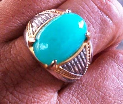 http://jawarakampung.blogspot.com/2014/08/cara-bedakan-batu-bacan-asli-dan-palsu.html
