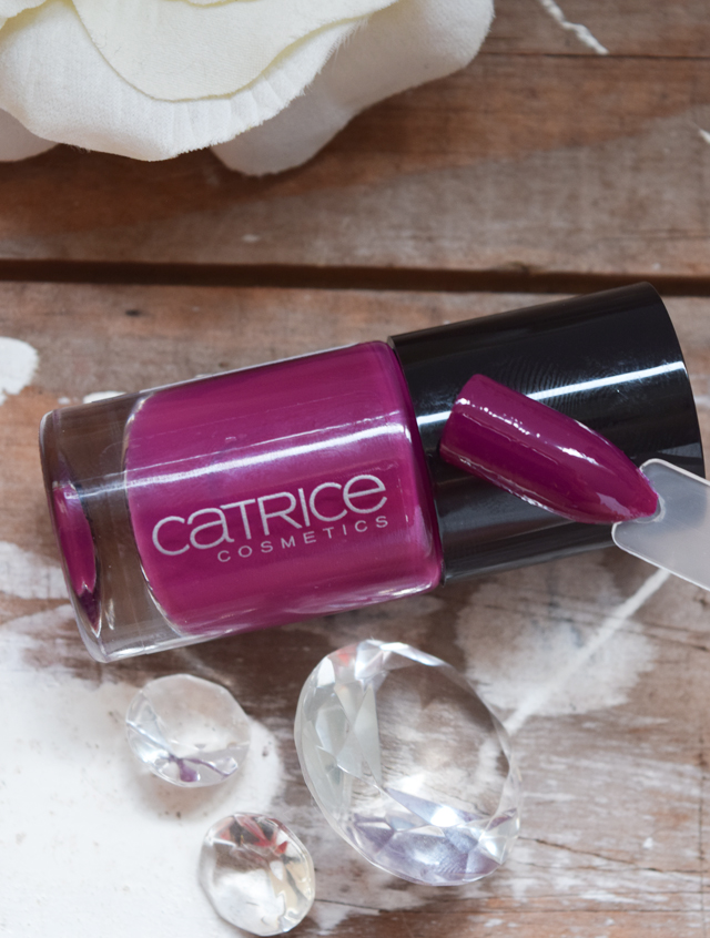 Catrice Nagellack 95 For some it's plum swatch